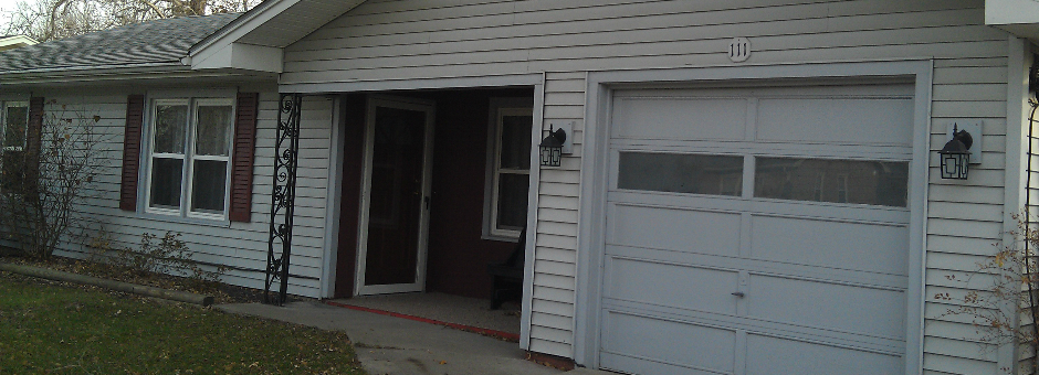 Move-in Ready!! Nice 3 Bedroom Ranch in Bloomington, IL